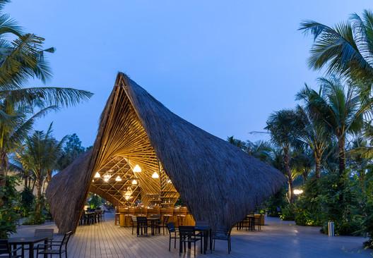 Flamingo Bamboo Pavilion / BambuBuild