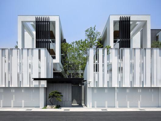 Casa de luz verde / Chain10 Architecture & Interior Design Institute