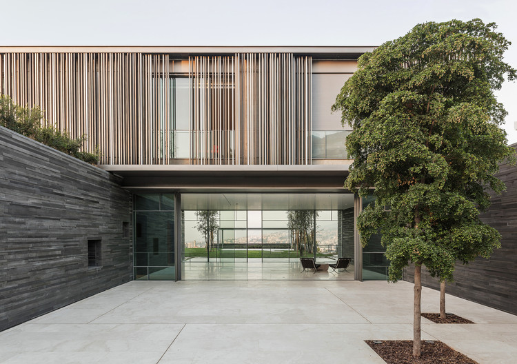 AY House / nabil gholam architects, © Richard Saad