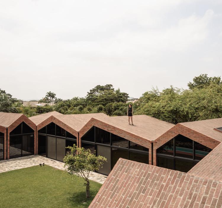 El Cortijo House / Felipe Assadi Arquitectos, © Fernando Alda