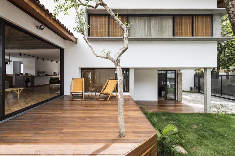 Casa Beiral / Zoom Urbanismo Arquitetura e Design, © Maíra Acayaba