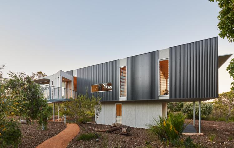 Casa Selvagem / Archterra Architects, © Douglas Mark Black