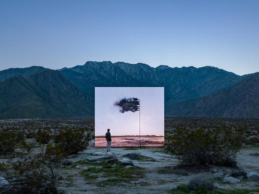 Desert X installation view, John Gerrard, Western Flag (Spindletop, Texas) 2017, 2017-2019. Image © Lance Gerber, courtesy of Desert X