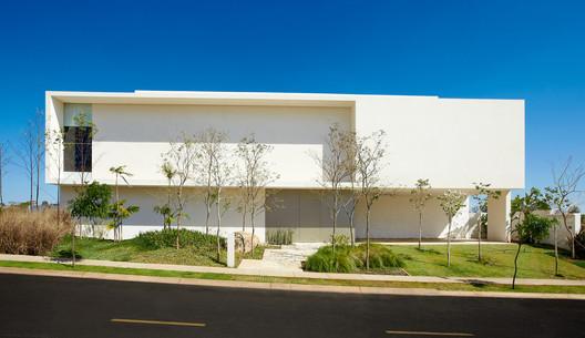 Quinta do Golfe / Solange Cálio Arquitetos