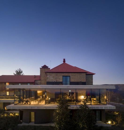 São Lourenço House – Burel Panorama Hotel / Site Specific Arquitectura + P-06 Atelier