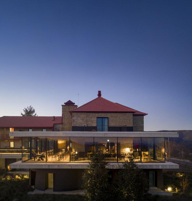Casa de São Lourenço – Burel Panorama Hotel / Site Specific Arquitectura + P-06 Atelier, © Fernando Guerra | FG+SG