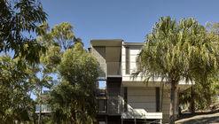 Springs Beach House / Bark Design Architects