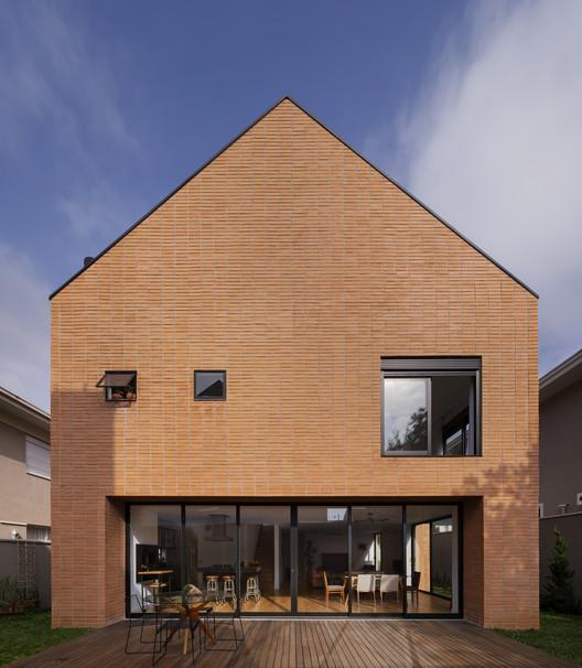 Casa CM / Arquea Arquitetos, © Federico Cairoli
