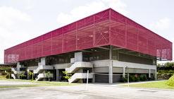 Gimnasio de la Escuela secundaria Blaise Pascal / Koffi & Diabaté Architectes