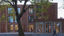 Dorothy Garrod Building / Walters & Cohen Architects