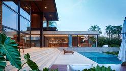 House N / F:Poles Arquitetura