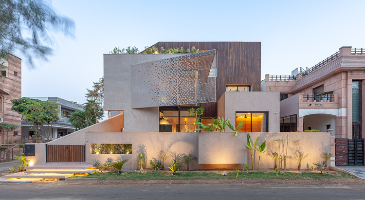 Chhavi House / Abraham John Architects, © Alan Abraham
