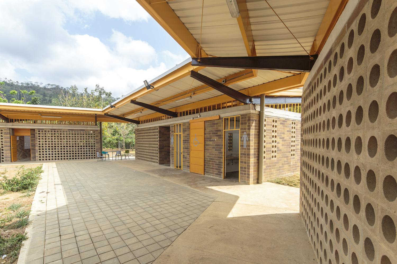 Institución educativa rural Siete Vueltas / Plan:b arquitectos