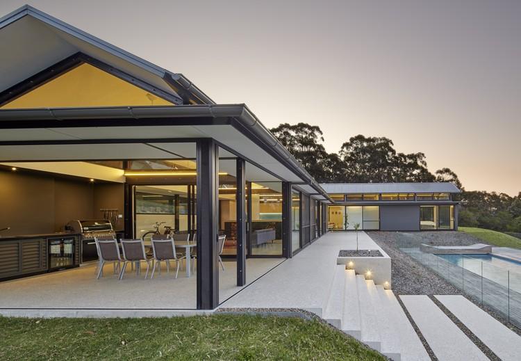 Rural Retreat / Utz Sanby Architects, © Marian Riabic