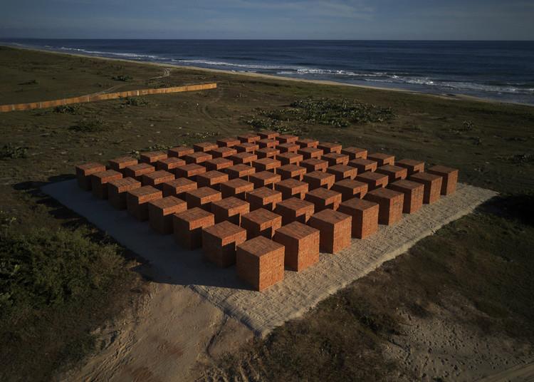 Studio Bosco Sodi presenta instalación artística en la Costa del Pacífico, © Sergio López