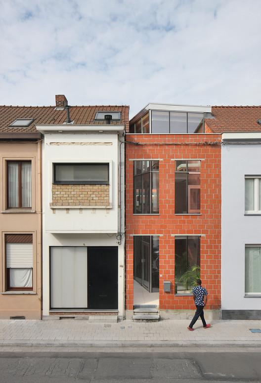 Casa SSK / De Baes Associates + Van Besien Van Noten Architecten