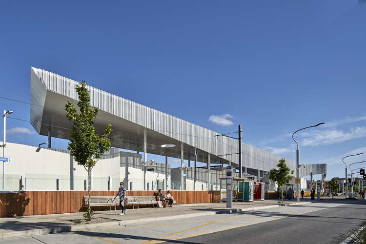 Frankston Station / Genton, © Peter Clarke