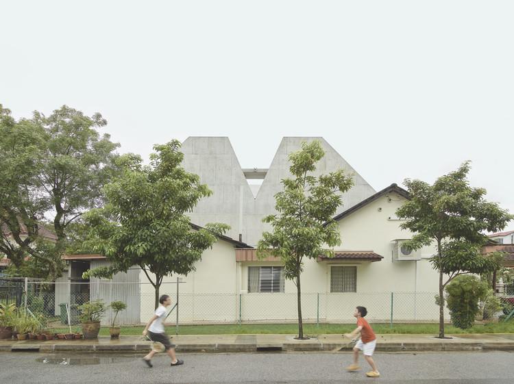 A Simple Terrace House / Pencil Office, © Kevin Scott, Darren Soh, Erik L'Heureux