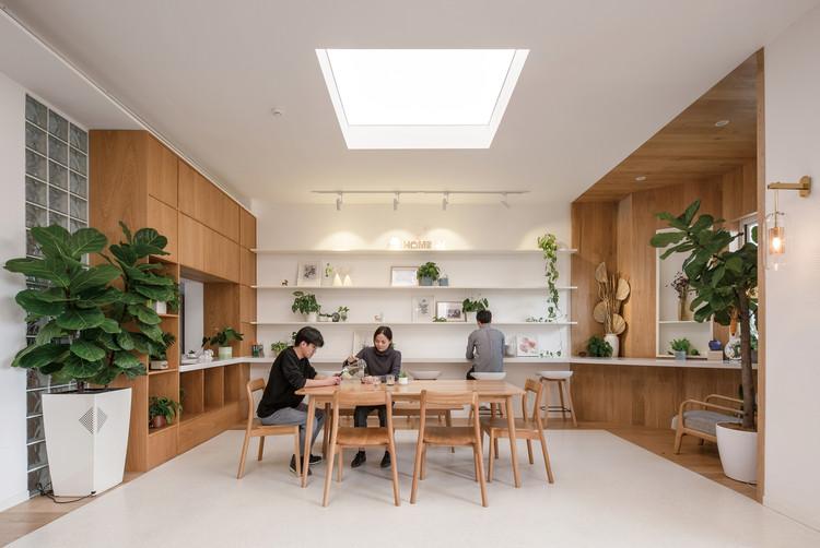 Interior Design of Hongyue Reception Center / SSDesign, Virtual  'Patio'. Image © AD Photography