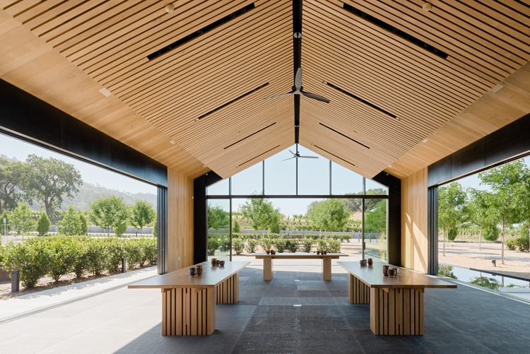 Silver Oak Winery / Piechota Architecture, © Joe Fletcher
