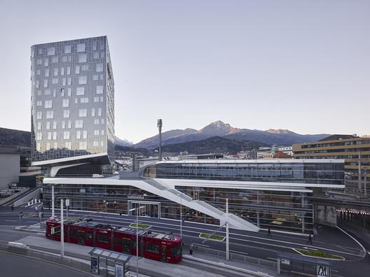 P2 Urban Hybrid | Library / LAAC