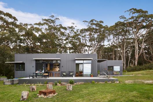 Fish Creek House / Archiblox Pty Ltd