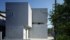 House in Toyonaka / Fujiwaramuro Architects