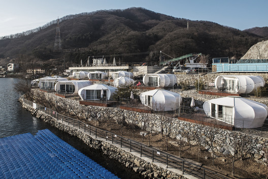 Camptong Island and Museum / ArchiWorkshop