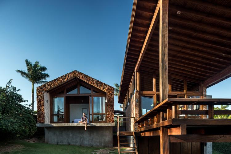 Casa do Lago / Solo Arquitetos, © Eduardo Macarios