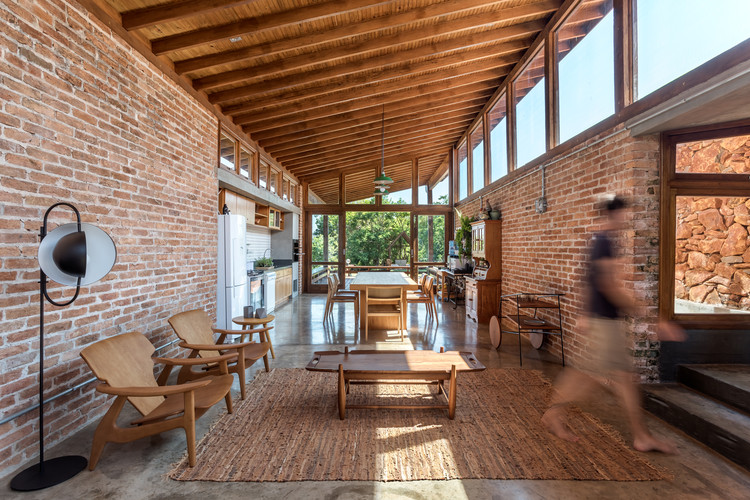 Lake House / Solo Arquitetos, © Eduardo Macarios