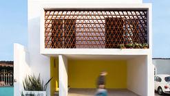 Casa La Reserva / AMASArquitectos
