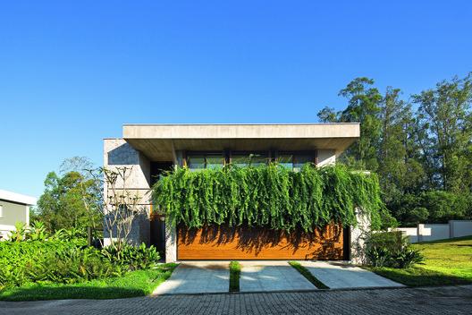 Casa AR / NV Arquitetura