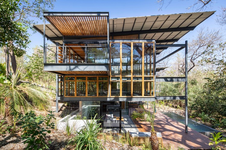Jungle Frame House / Studio Saxe, © Andres Garcia Lachner