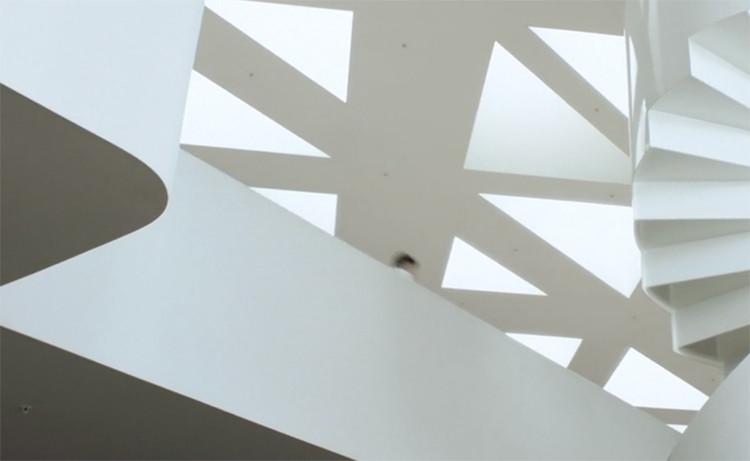 O corpo no espaço fílmico: vídeos de arquitetura e a expansão da realidade, The Learn'd. Screenshot do vídeo