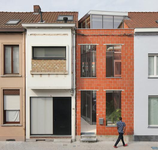 House SSK / De Baes Associates + Van Besien Van Noten Architecten