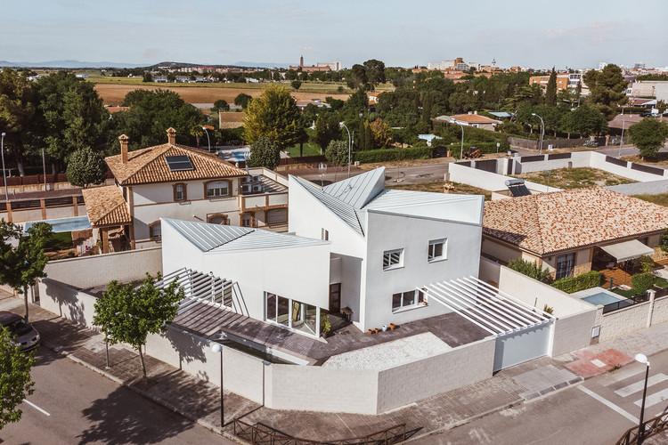 Albania House / OOIIO Arquitectura, © josefotoinmo