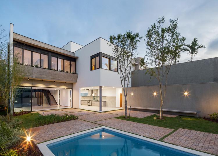 Casa SC / Frederico Trevisan Arquiteto, © André Scarpa