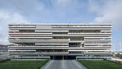 East Parking Building of Sanya Phoenix International Airport / Jing Studio