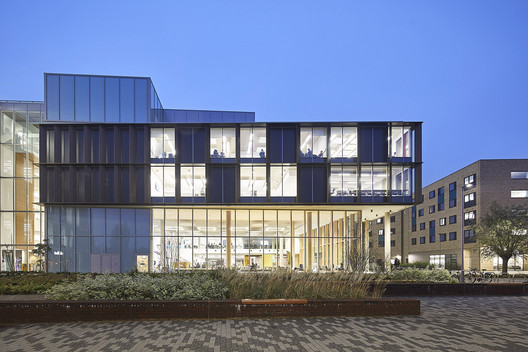University of Northampton Learning Hub / MCW Architects