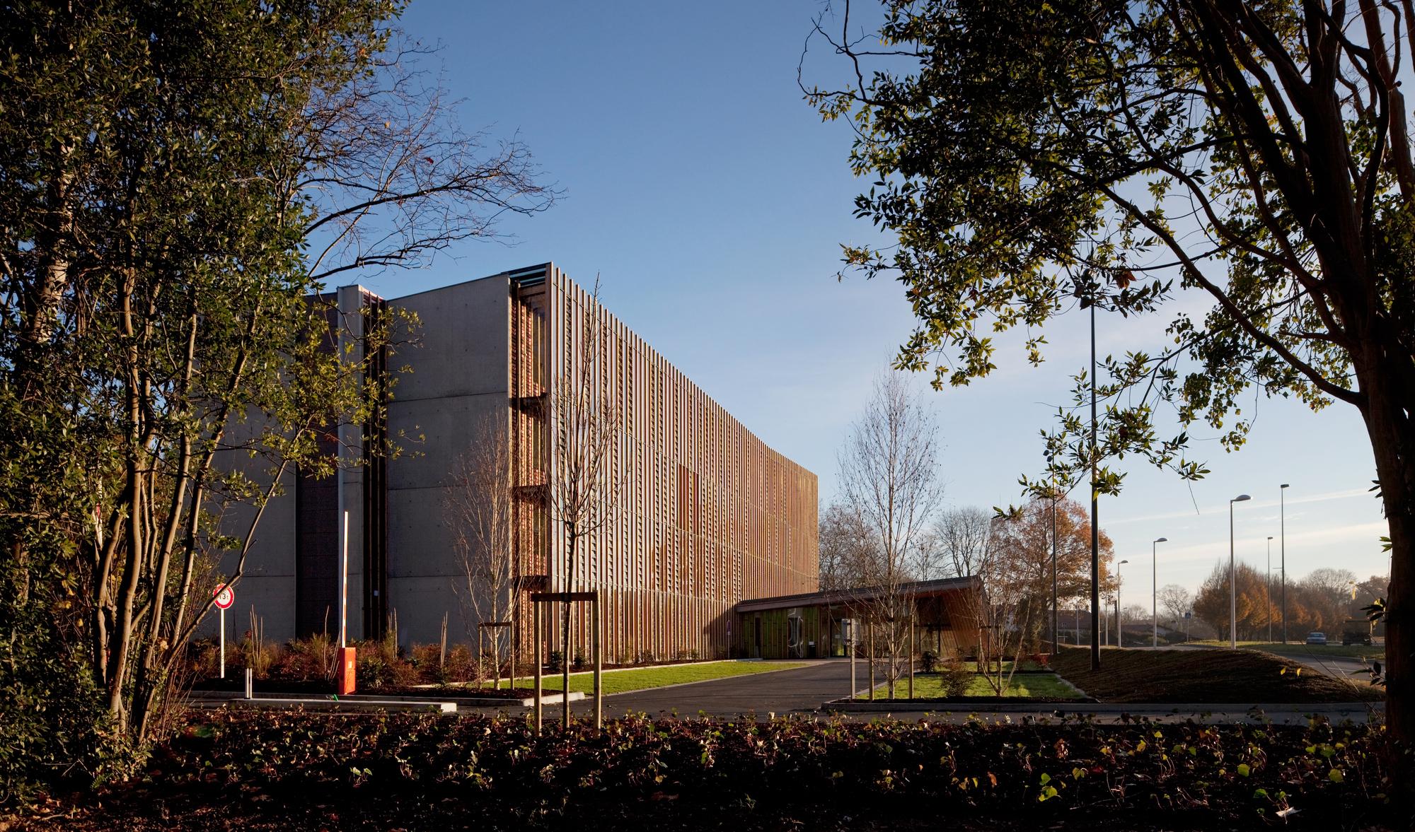 Allée De Niert Bayonne office 64 de l'habitat / patrick arotcharen | archdaily