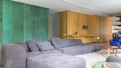 Casa PVN / Claudia Haguiara Arquitetura