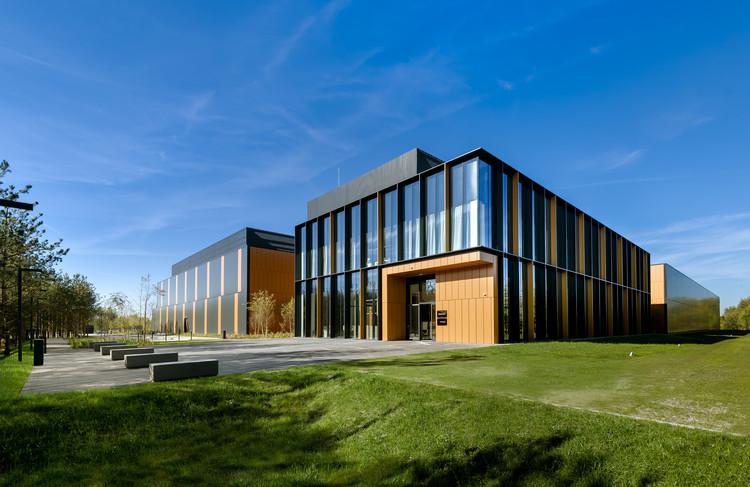 BIALMED Headquarters / 3XA, © Stanisław Zajaczkowski