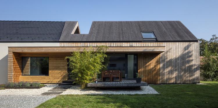 House in Kapuvár / László Papp - plémühely, © Tamás Bujnovszky