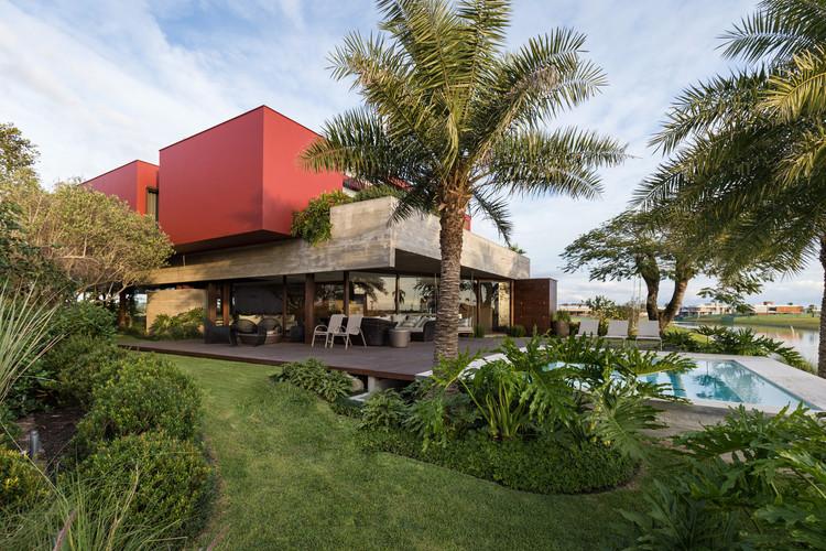 Marsala House / Stemmer Rodrigues Arquitetura, © Marcelo Donadussi