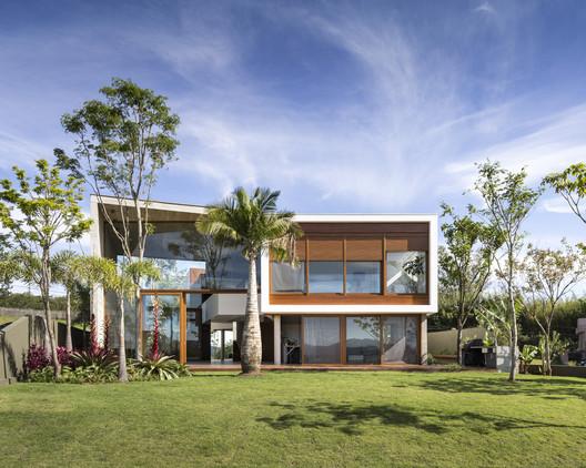 Angular House / Stemmer Rodrigues Arquitetura