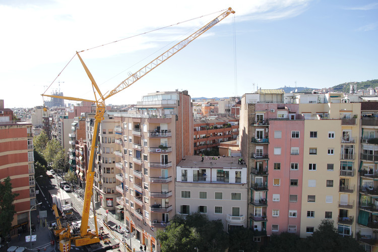 This Off-Site Construction System Duplicates Floors in Barcelona Buildings in 3 Days, © Albert Argiles / Otger Rius.
