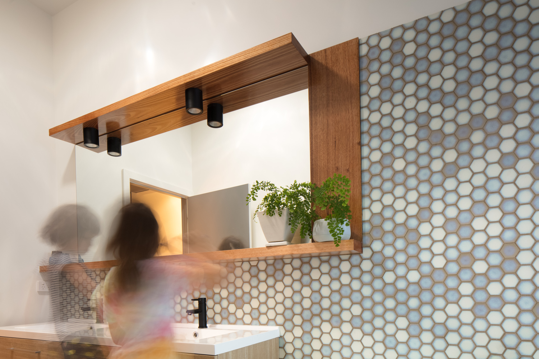 Gallery of Urban Barnyard House / Inbetween Architecture - 11