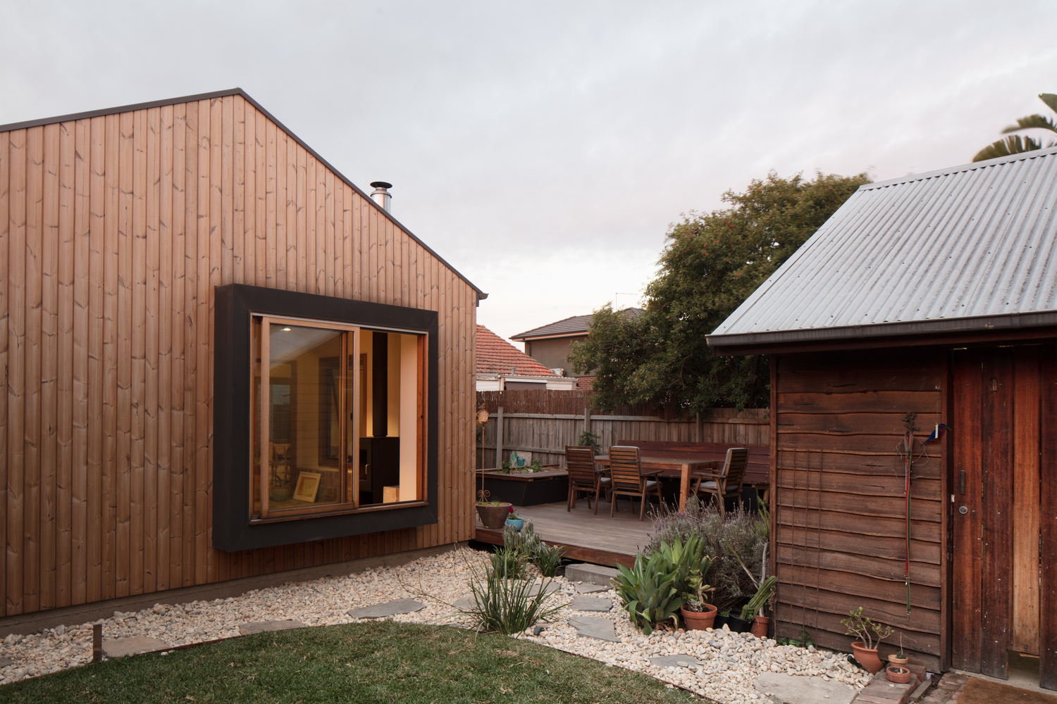 Gallery of Urban Barnyard House / Inbetween Architecture - 5