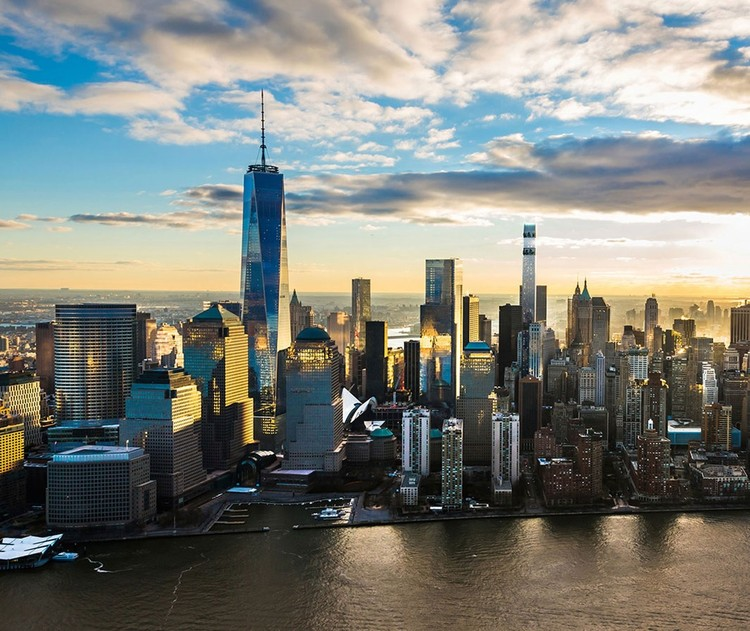 Downtown New York's Tallest Residential Skyscraper Tops Out, 125 Greenwich Street. Image Courtesy of Bizzi & Partners