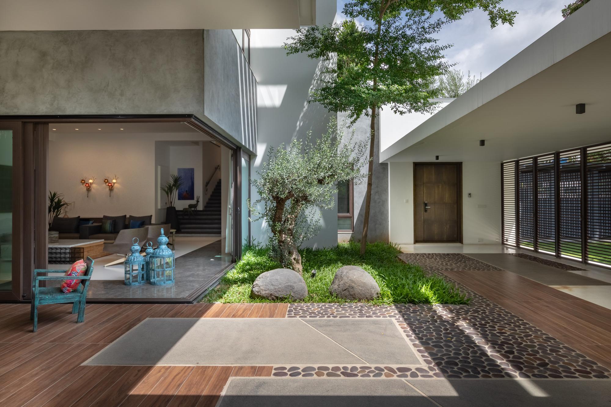 courtyard villa moriq archdaily